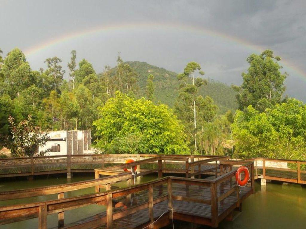 Tarde de chuva e arco-íris